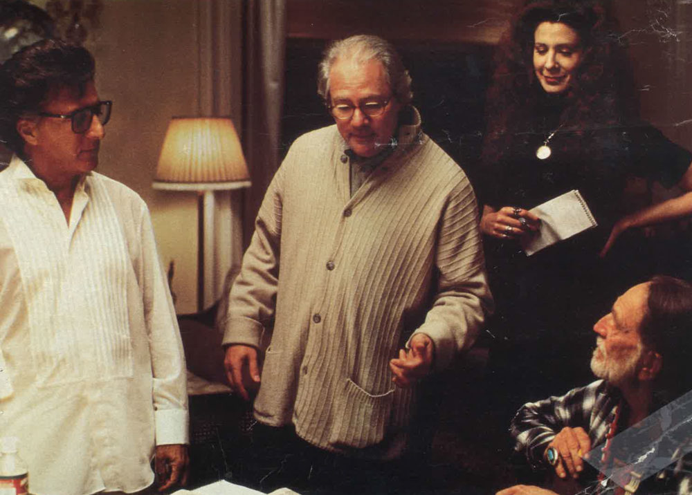 WAG THE DOG (Dustin Hoffman, Barry Levinson, Willie Nelson)